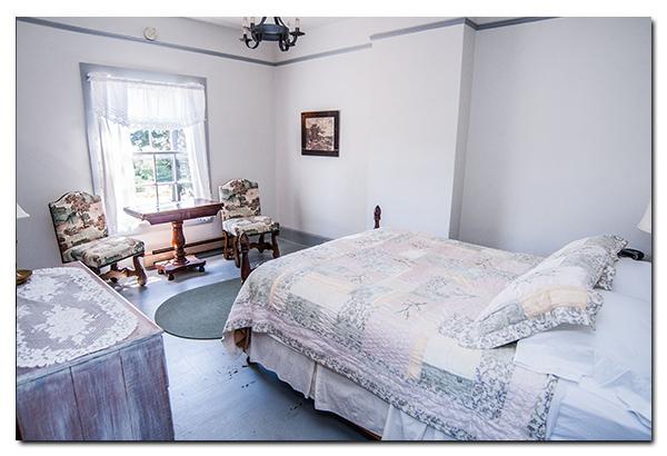 Fort Casey Inn Vacation Bedroom