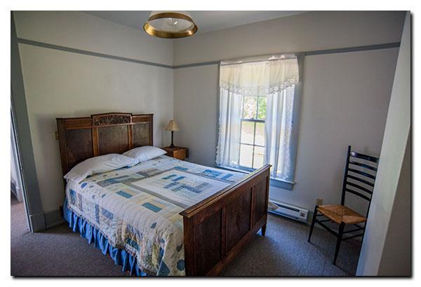 Fort Casey Inn Vacation Queen Bed